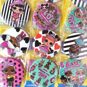 LOL sorpresa lol muñecas insignia decoraciones para fiesta de cumpleaños chico figura de Anime dibujos animados pequeñas insignias para prendas de vestir vestido de fiesta niños niñas