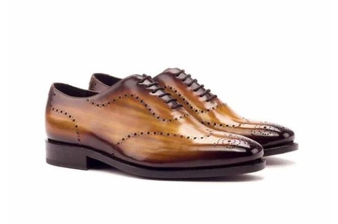 Ayakk.'ten Basic Çizmeler'de Erkekler deri ayakkabı Lace Up rahat ayakkabılar elbise ayakkabı Brogue ayakkabı bahar yarım çizmeler Vintage klasik erkek rahat F37 1 title=