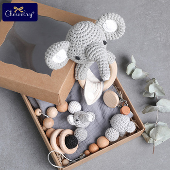 цена 1set Baby Pacifier Clips Chain Bibs Teether Bracelets Crochet Elephant rattle Ring Wooden Rodent Blank For Newborn Amigurumi Toy онлайн в 2017 году