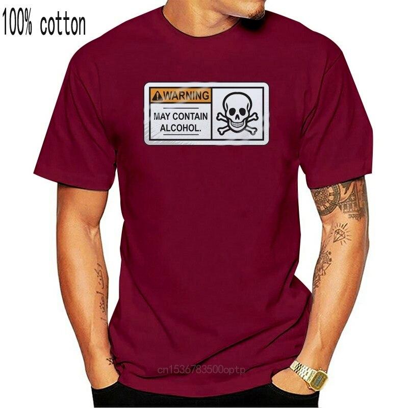 Aviso! Camiseta branca do homem do álcool