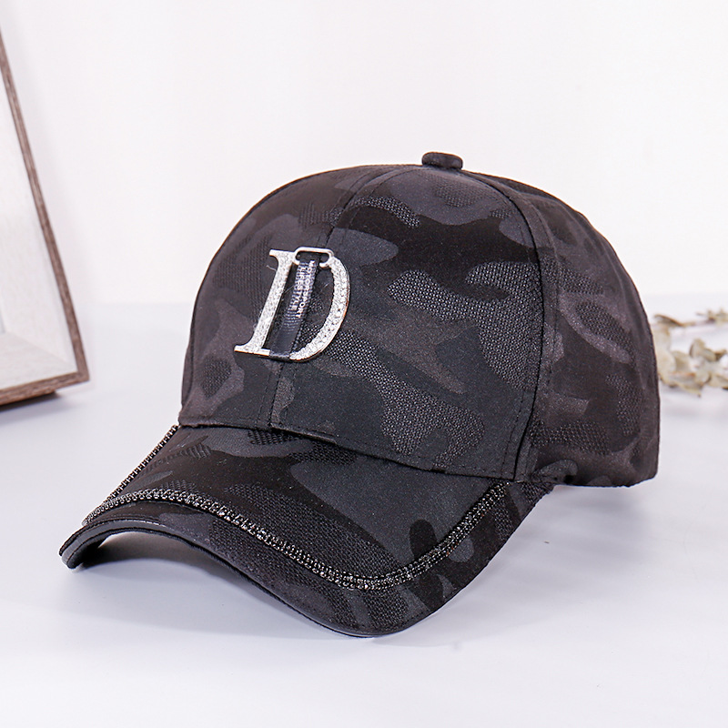 2020 New Metal Letter M Women Baseball Cap Breathable Mesh Outdoor Adjustable Embroidered Rhinestone D Mark Hats Summer Sunhat02