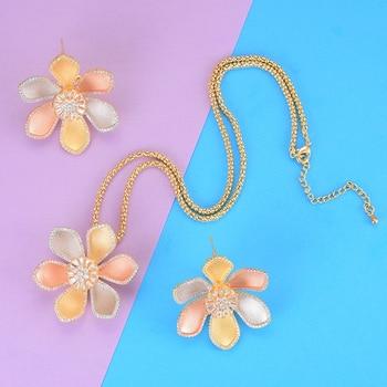 LARRAURI 2019 Hot Luxury Shiny Ladies Wedding Birthday Flower Pendant Necklace Stud Earrings Trendy Women Jewelry Sets