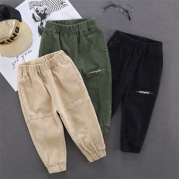Dziecięce spodnie o jednolitym kolorze chłopięce spodnie dziewczęce w stylu Casual wiosna bawełniane chłopięce długie spodnie dziecięce chłopięce spodnie sportowe tanie i dobre opinie LILIGIRL COTTON CN (pochodzenie) LOOSE Chłopcy Z KIESZENIAMI haft Pełna długość Dobrze pasuje do rozmiaru wybierz swój normalny rozmiar