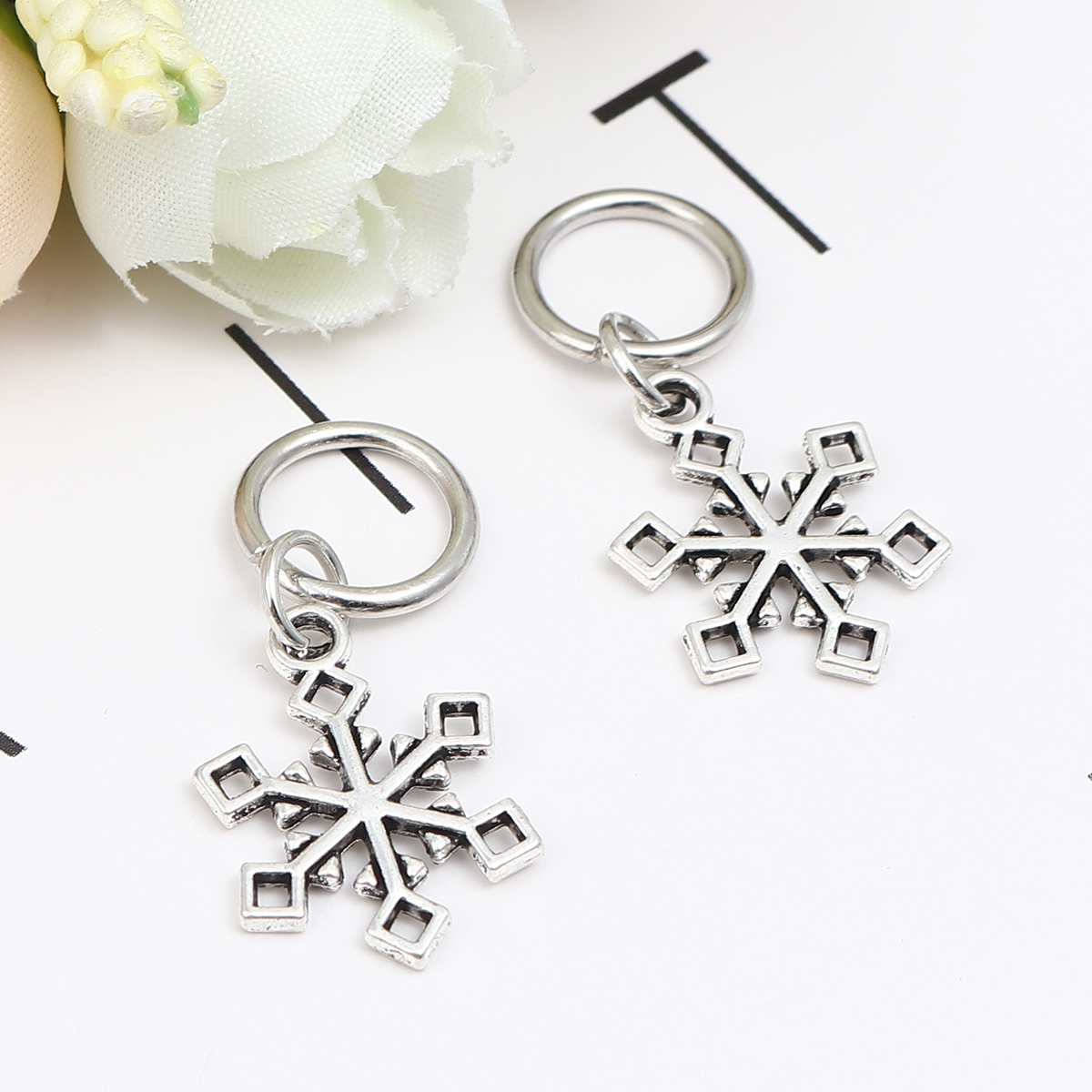 10PCs Zinc Alloy Knitting Stitch Markers Snowflake Angel Antique Silver Color DIY Craft Supplies Home Sewing Helpful Accessories(China)