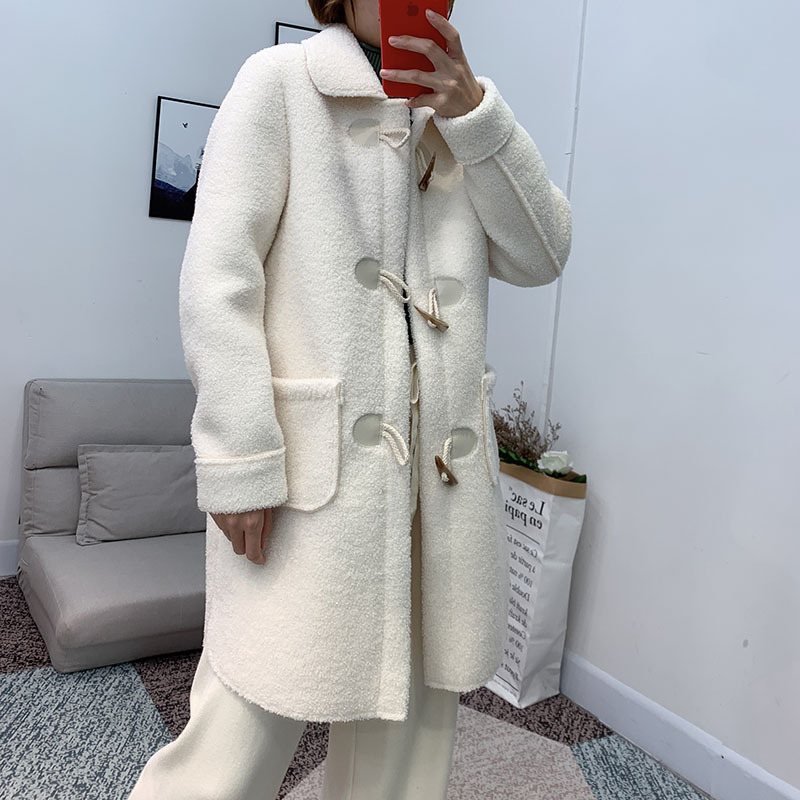 loose lamb horn buckle wool coat 3