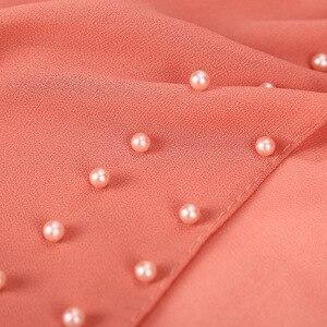 Image 5 - Bufanda de Chifón con perlas para mujer, hiyab con cuentas de Chifón con perlas lisas Rosas y rojas, Echarpe para mujer, Bufandas musulmanas de cabeza para el cabello, Bufandas 2020