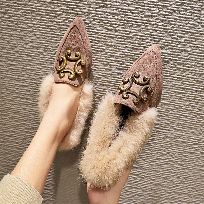 Mao Mao shoes women 2018 new autumn net red student fairy Doudou shoes Korean version of Joker low heel pointed boots 79