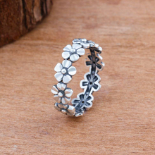 Vintage Exquisite Hard Alloy Daisy Flower Wedding Ring for Women Engagement Party Jewelry Anniversary Birthday Gift