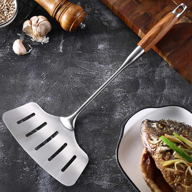 Fish Spatula, 18/8 Stainless Steel Slotted Turner with Ergonomic Long Handle, Ideal For Turning & Flipping at Frying & Grilling