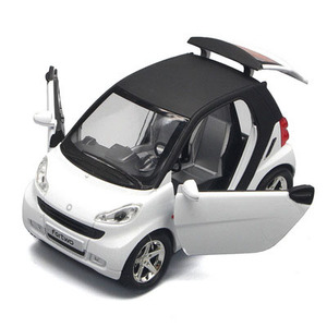 Image 2 - 1:32 escala inteligente bonito diecast modelo de carro brinquedo com puxar para trás função música luz opable portas para crianças como presente frete grátis