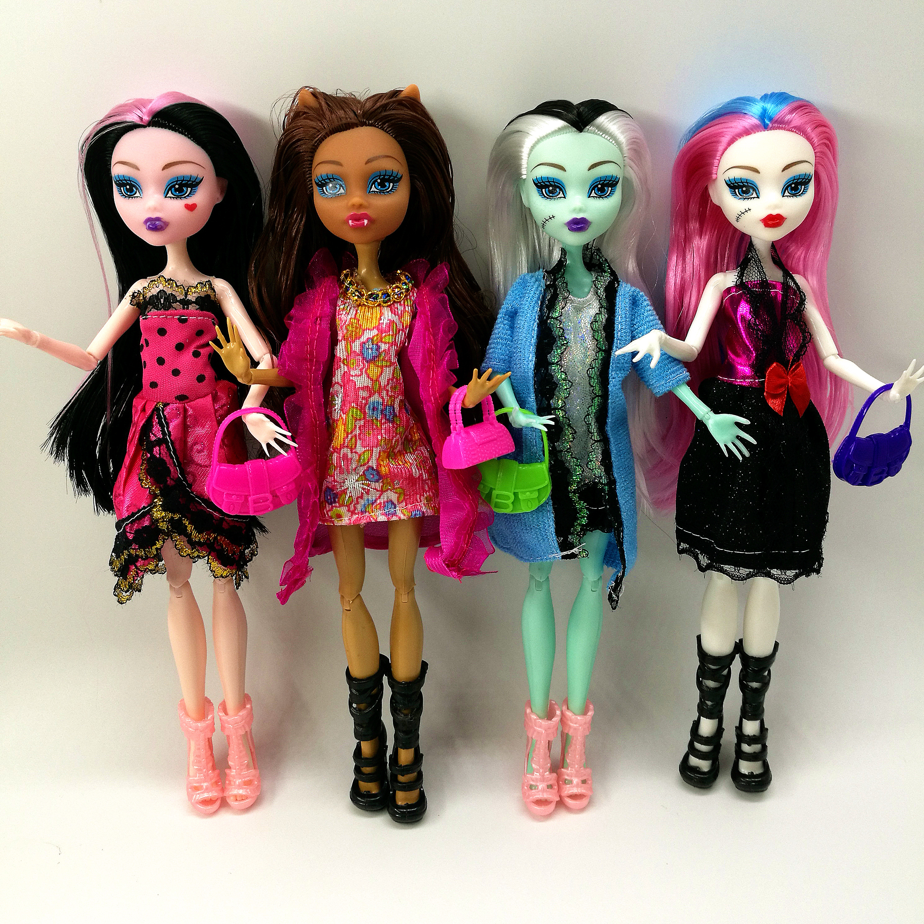 Cheapest NO BOX 4 pcs/set Dolls New Style high dolls Monster fun high Moveable Joint Body Fashion dolls Girls Toys Best Gift(China)