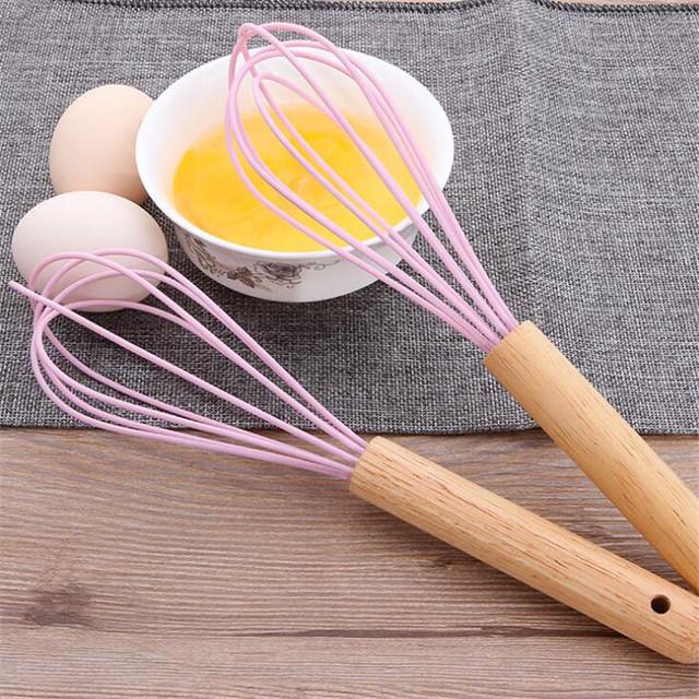 10 Cal nowy drewniany uchwyt przybory kuchenne jajo silikonowe trzepak instrukcja jajko Blender praktyczny przyrząd kuchenny tanie i dobre opinie CN (pochodzenie) Ubijaczki do jajek Mieszanie Ręcznie 457561 Stainless steel Ekologiczne kitchen tools egg tools