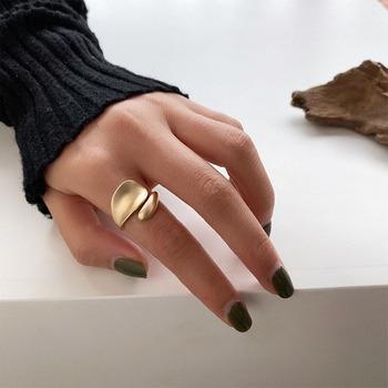 SRCOI złoty Sliver kolor matowy Metal geometryczne otwarte pierścienie moda proste Trendy minimalistyczny stałe koło regulowany pierścień dla kobiet tanie i dobre opinie Ze stopu cynku Kobiety Party Brak None Koktajl pierścień GEOMETRIC SRR0084 Pierścionki Matte Metal Rings Gold Open Rings