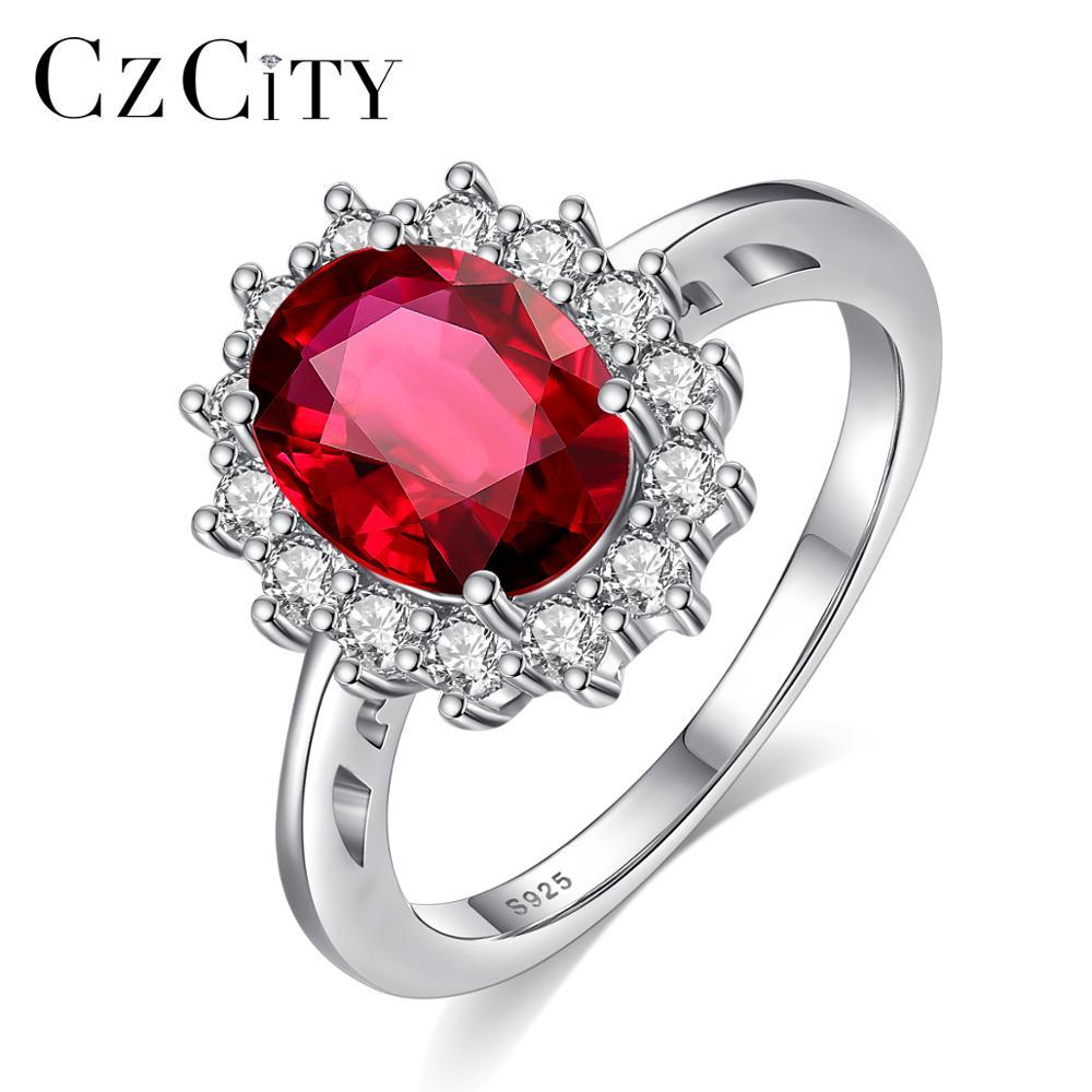 טבעת יהלום עם אבן גדולה באמצע פשוט מושלמת  2
