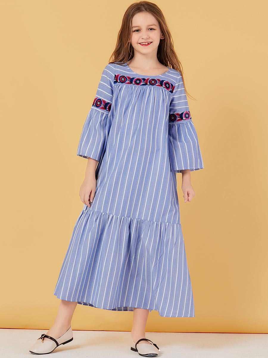 Della ragazza A Righe Musulmano Vestono I Bambini Del Ricamo Abaya Dubai Turchia Bangladesh Carino Abiti Kaftan Turco Islamico Abbigliamento Abiti