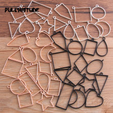 14 pçs/lote 7 cores sortidas geométrica oco pressionado flor quadro pingente resina jóias fazendo moldura molde