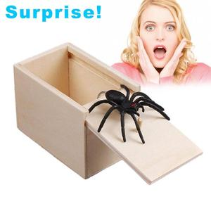 April Fool's Day gift Wooden Prank Trick Practical Joke Home Office Scare Toy Box Gag Spider Mouse Kids Funny Gift(China)