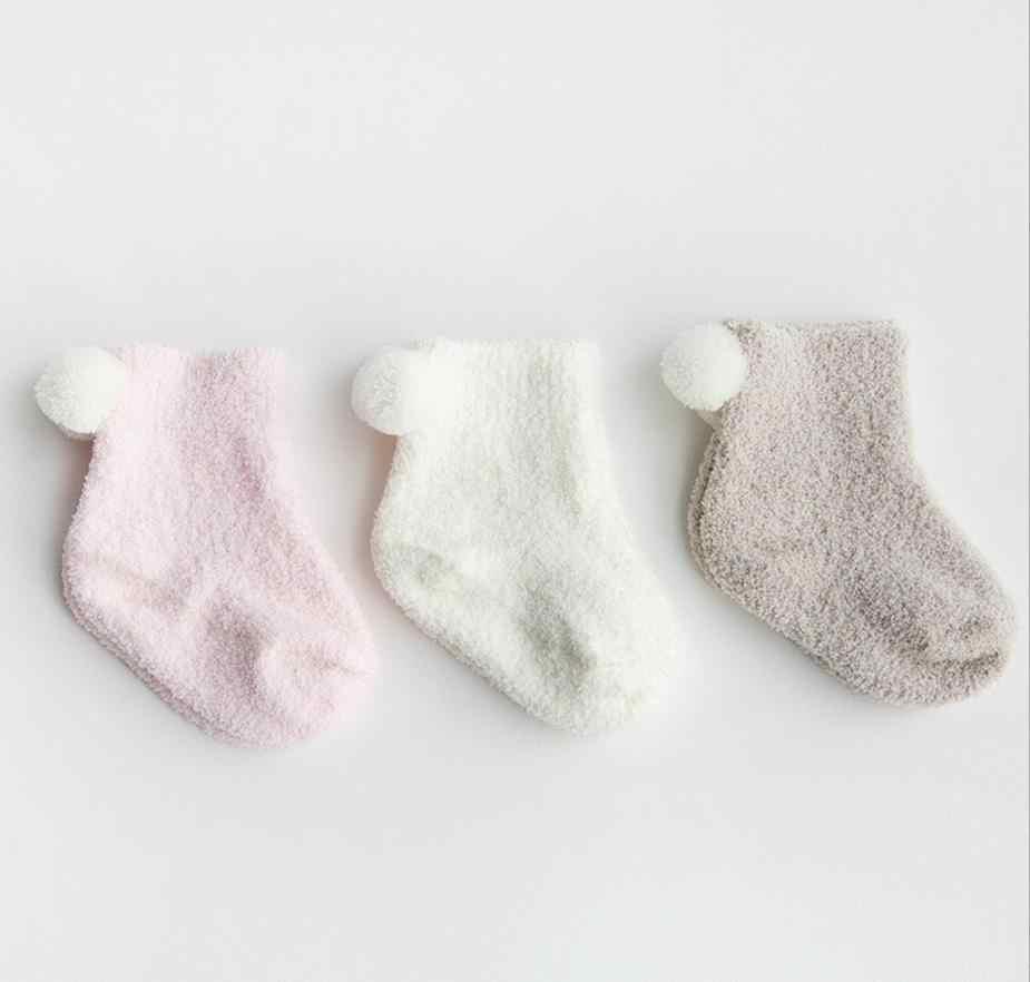 جوارب للأطفال حديثي الولادة من موديلات خريف وشتاء 2017 سميكة ودافئة 0-1-3 سنوات للأطفال الرضع بلون مرجاني مخملي جوارب للكريسماس