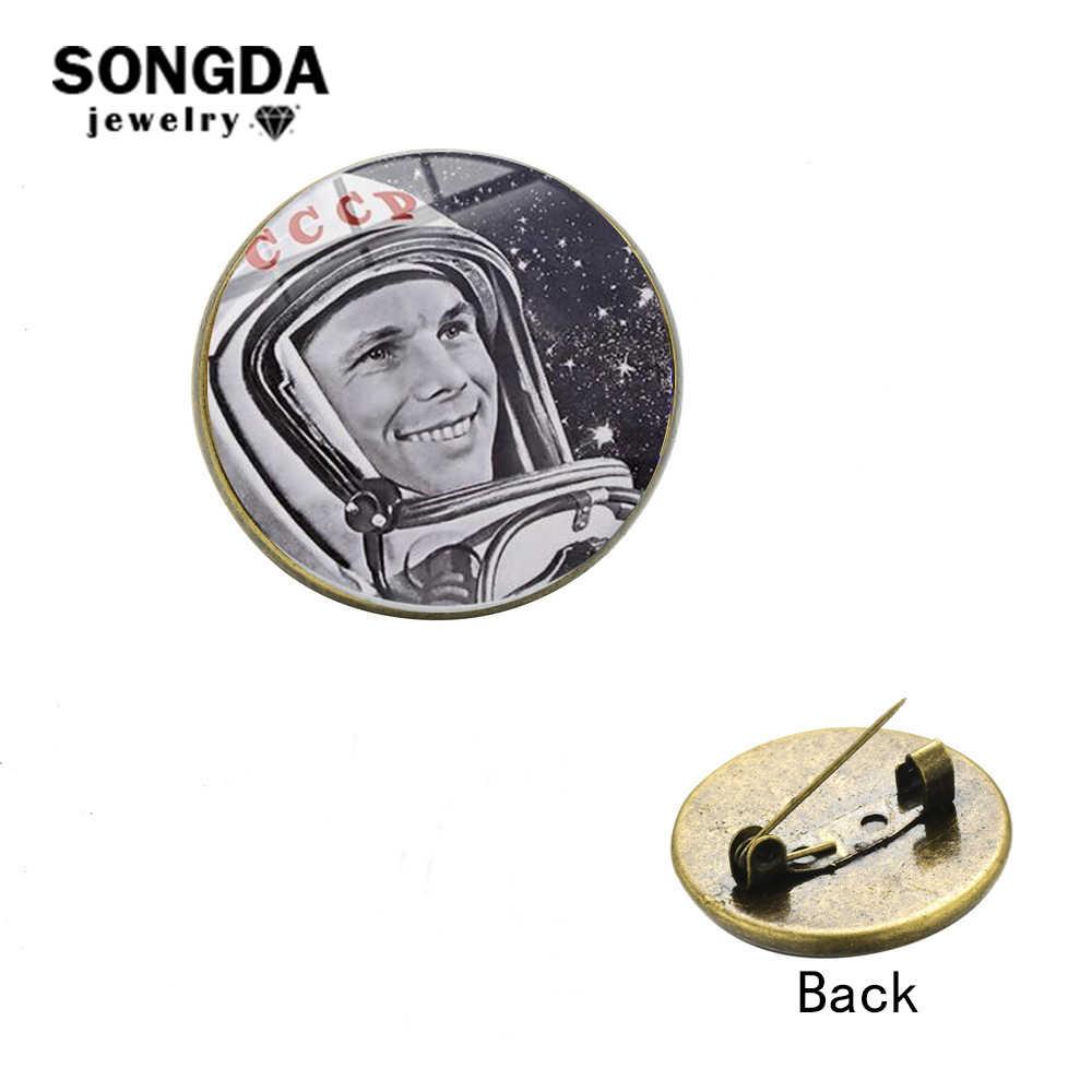 Pro Kitty Uni Soviet Rusia Astronot Bros Perunggu Warna Yuri Alekseyevich Gagarin Kerah Pin Tombol Kerah Lencana Dihiasi Perhiasan