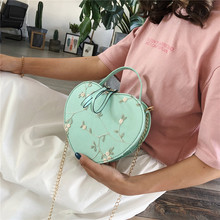 New Fashion Messenger Bag Women Heart Shaped Leather Chain Bag Lady Handbag Lady Retro Shoulder Bag Lace Flowers For Girl Purses free shipping 2015 new european style women bag retro package carved messenger bag handbag british fashion flowers