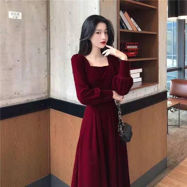 Autumn and winter 2021 new gold velvet dress women French retro square collar waist Office Lady  Knee-Length 6