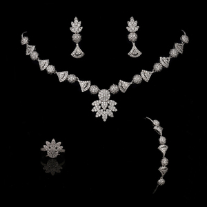 Image 3 - תכשיטי קולר סט HADIYANA פרח צורת נשים חתונה מסיבת שרשרת עגילי טבעת וצמיד סט זירקון CNY0088 Bisuteria