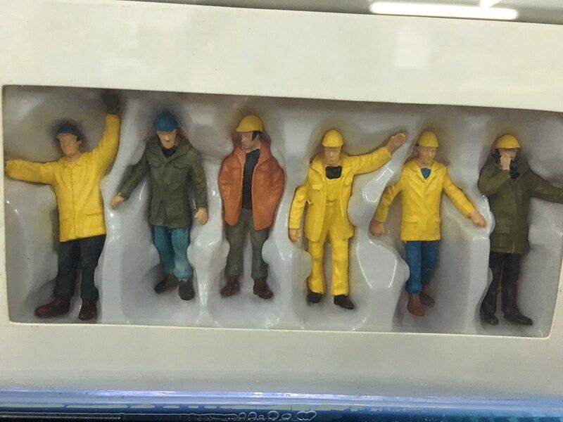 cinza trabalhadores caber veículos de construção boneca