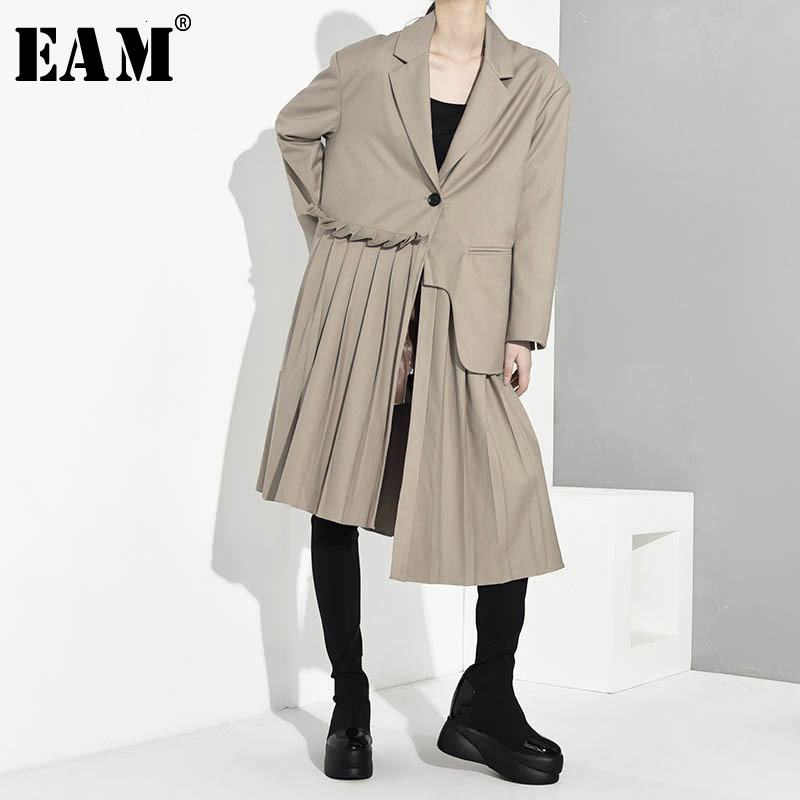 [EAM] Women Pleated Asymmetric Long Trench New Lapel Long Sleeve Loose Fit Windbreaker Fashion Tide Spring Autumn 2020 1A88004