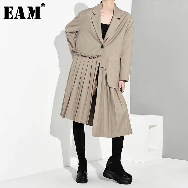 [EAM] Women Pleated Asymmetric Long Trench New Lapel Long Sleeve Loose Fit Windbreaker Fashion Tide Spring Autumn 2020 1A88004