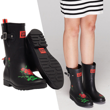 DRIPDROP Natural Rubber Boots Women Mid-Calf Rain Boot Floral Print  Adjustable Buckle