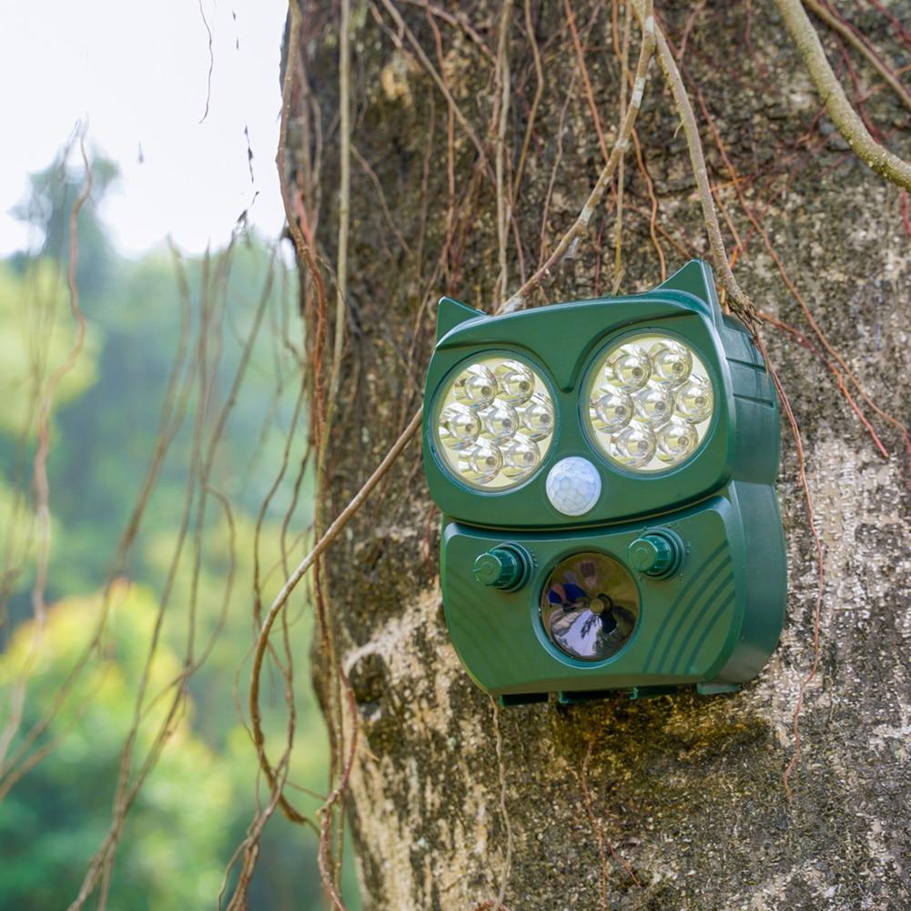 LED Flashing Eco Friendly Farm PIR Detection Solar Powerd Garden Outdoor Waterproof Loud Alarm Ultrasonic Durable Pest Repeller