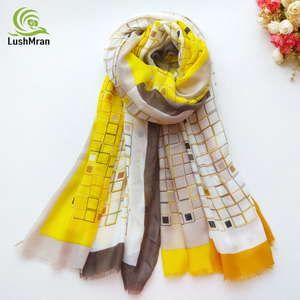 Image 1 - Baumwolle Frauen Lange Schal Weiche Frühling Neue dame Viskose Schals Dünne Sommer Weibliche Herbst Wraps Muslimischen Kopf Schal