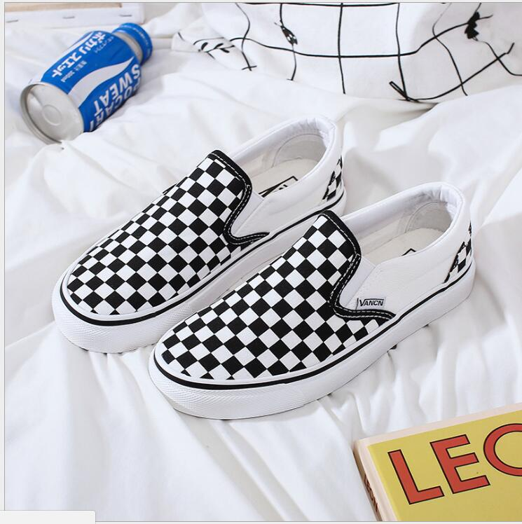 New Women's Shoes Black White Plaid Loafers Lazy Casual Flat Bottom Foot Canvas Shoes Platform Sneakers Vulcanized Shoes C3