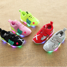 Mesh breathable cartoon baby casual sneakers LED lighting finger girls boys shoes Lovely infant tennis