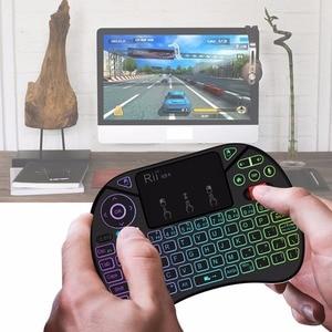 Image 3 - Rii X8 + 2.4ghzのミニワイヤレスキーボードとタッチパッド音声検索ledバックライト充電式リチウムイオン電池用ボックスpc