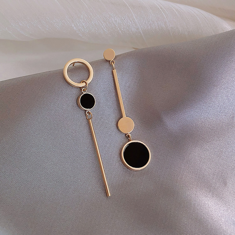 Asymmetric Korean Style Popular Design Long Earrings Hollow Circle Metal Ball Boucles D'oreilles Pendantes