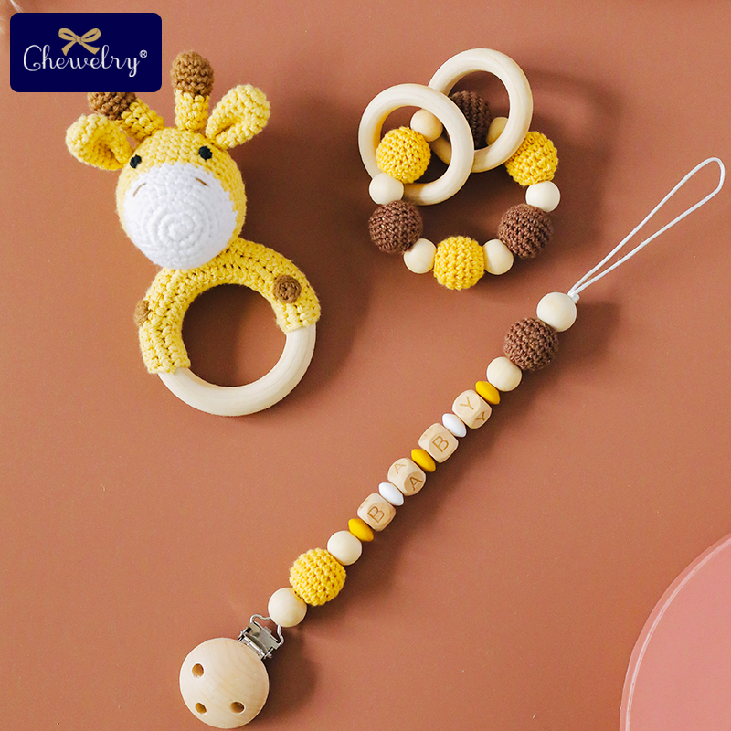 1pc Baby Rattle Crochet Giraffe Plush Animals Personalised Pacifier Chain Holder Teething Bracelet Gym Music Rattle Newborn Toys