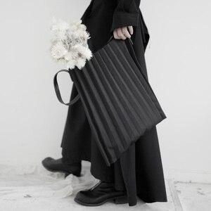 Image 2 - [Eam] 女性新ブラックキャンバスプリーツ分割ビッグサイズ人格アクセサリーファッション潮すべてマッチ春秋2020 19A a645
