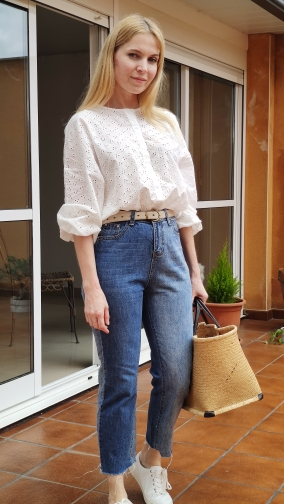Spring&autumn Wild Hollow Hook Flower Design Round Neck Single-breasted Loose Long-sleeved Shirt Women's Shirt Korean Clothing