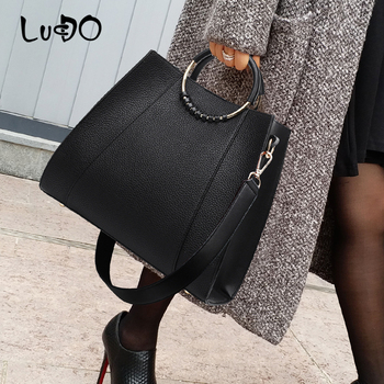 LUCDO Casual Large Capacity Totes Bag High Quality Leather Simple Shoulder Crossbody Bag for women 2020 new Ladies Shopping Bag