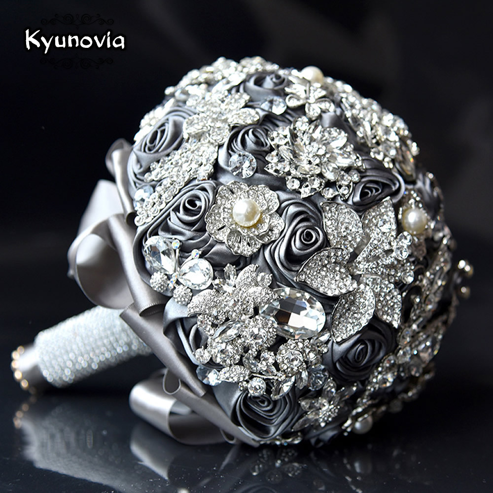 Kyunovia Classic Crystal Wedding Bouquet Can Customize Color Gray Silk Ribbon Rose Flower Brooch Bouquet Wedding Bridal Bouquets