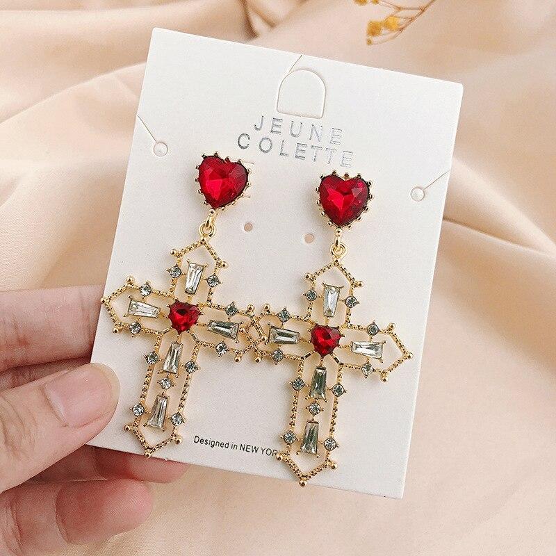 Europeu do vintage barroco oco cruz pingente clip brincos declaração coração vermelho strass cruz clip brincos sem piercing mulher