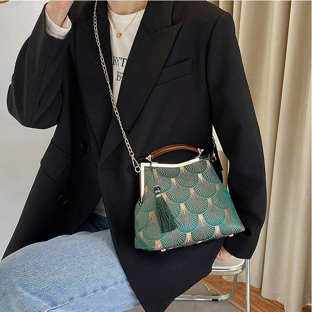 Lock Shell  Vintage Handmade Fringe Chain Shoulder Bag  3