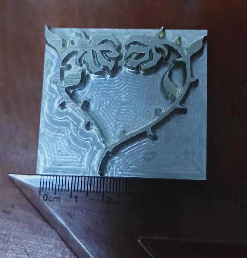 Mano-lavoro di disegno unico di cuoio strumenti di lavoro scultura punzoni craft stamp strumenti-locomotiva, cranio, croce, le ali, ecc.