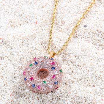 Sweet Cute Style Pink Donut Shape Pendant Necklace Women New Fashion Alloy Zircon Personality Creative Jewelry Necklace Gift