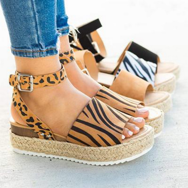 Oeak Casual Women's Rubber Sole Studded Wedge Buckle Ankle Strap Open Toe Sandals Chaussures Femme Ete 2020 Sandales Plates