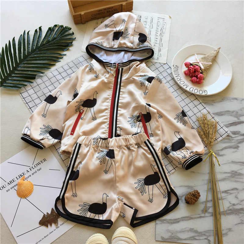Tonytaobaby ملابس الخريف نمط جديد الطفل الرياضة مجموعة طويلة الأكمام مقنعين مجموعة