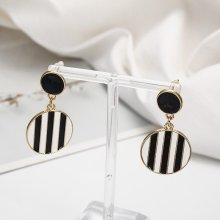 New round geometric earrings in spring and summer Europe America