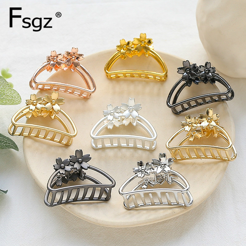 4.2CM  Metal Crabs For Hair Vintage Flower Hollow Out Hair Claw Clips Hair Styling Hair Clamps Concise Catching Ponytail Holders
