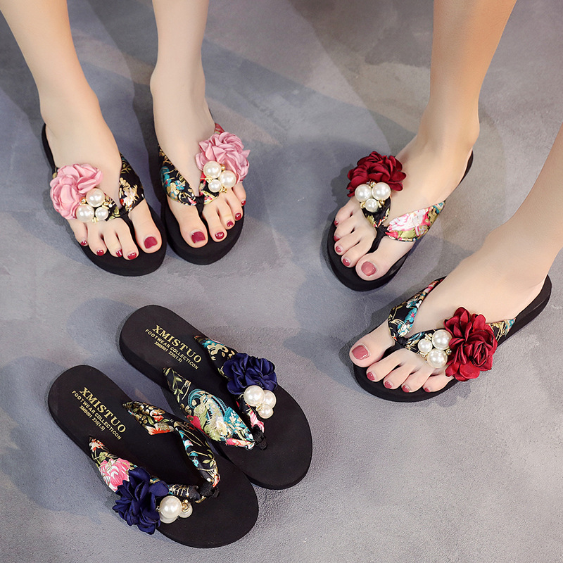 2019 Thick-soled Beach Shoes Flip Flops Are Non-slip